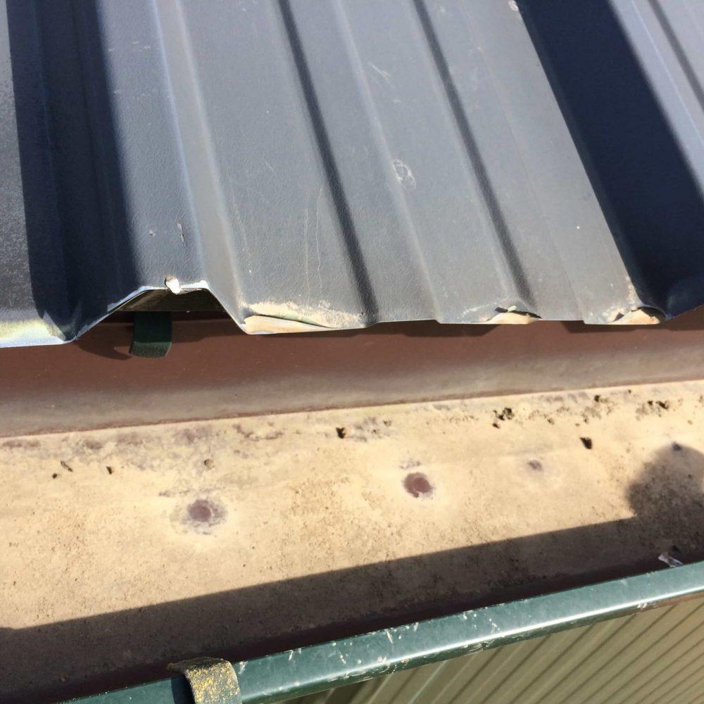 Edgepeeling behandelen van roestvorming op dak- & wandbeplating